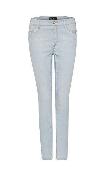 Marc Cain - Sehr bequeme helle Jeans mit Kugelknopf im Five-Pocket-Format