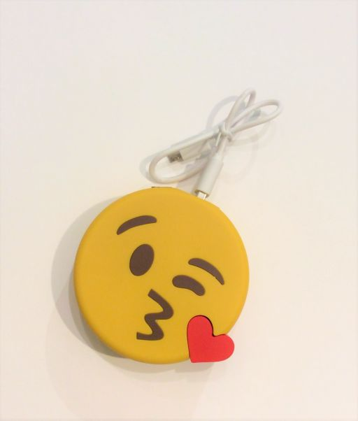 MO Emojy Power Bank - Kissing Wink