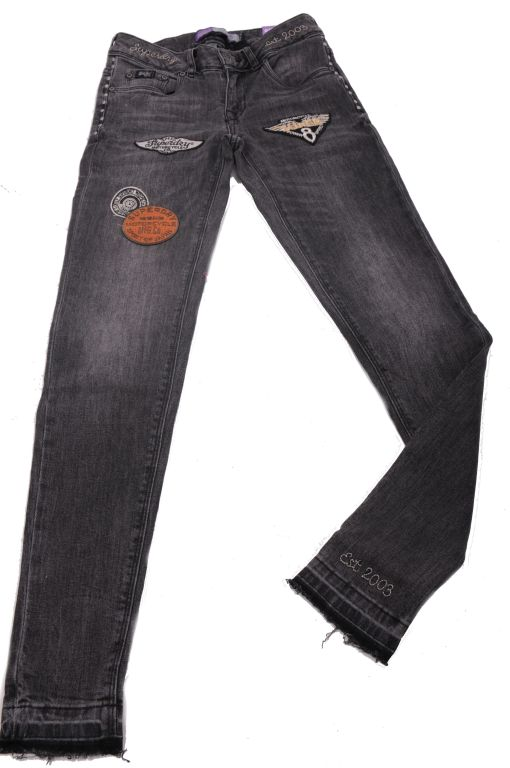 Superdry - Skinny Jeans mit Padges