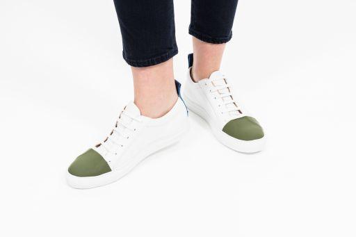 Joseph - Sportlicher Sneaker in weiß mit grün blau