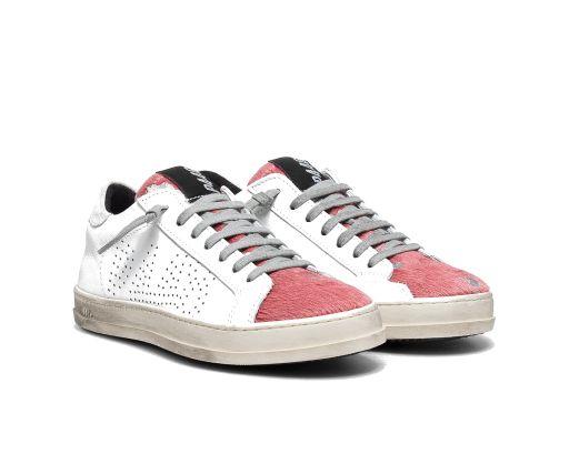 P448 - Sneaker mit pinker Felllasche