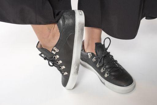 P448 - Sneaker aus geprägtem Leder