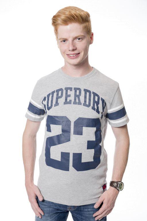 """Superdry - Lässiges Shirt """"23"""" mit Rundhalsausschnitt"""